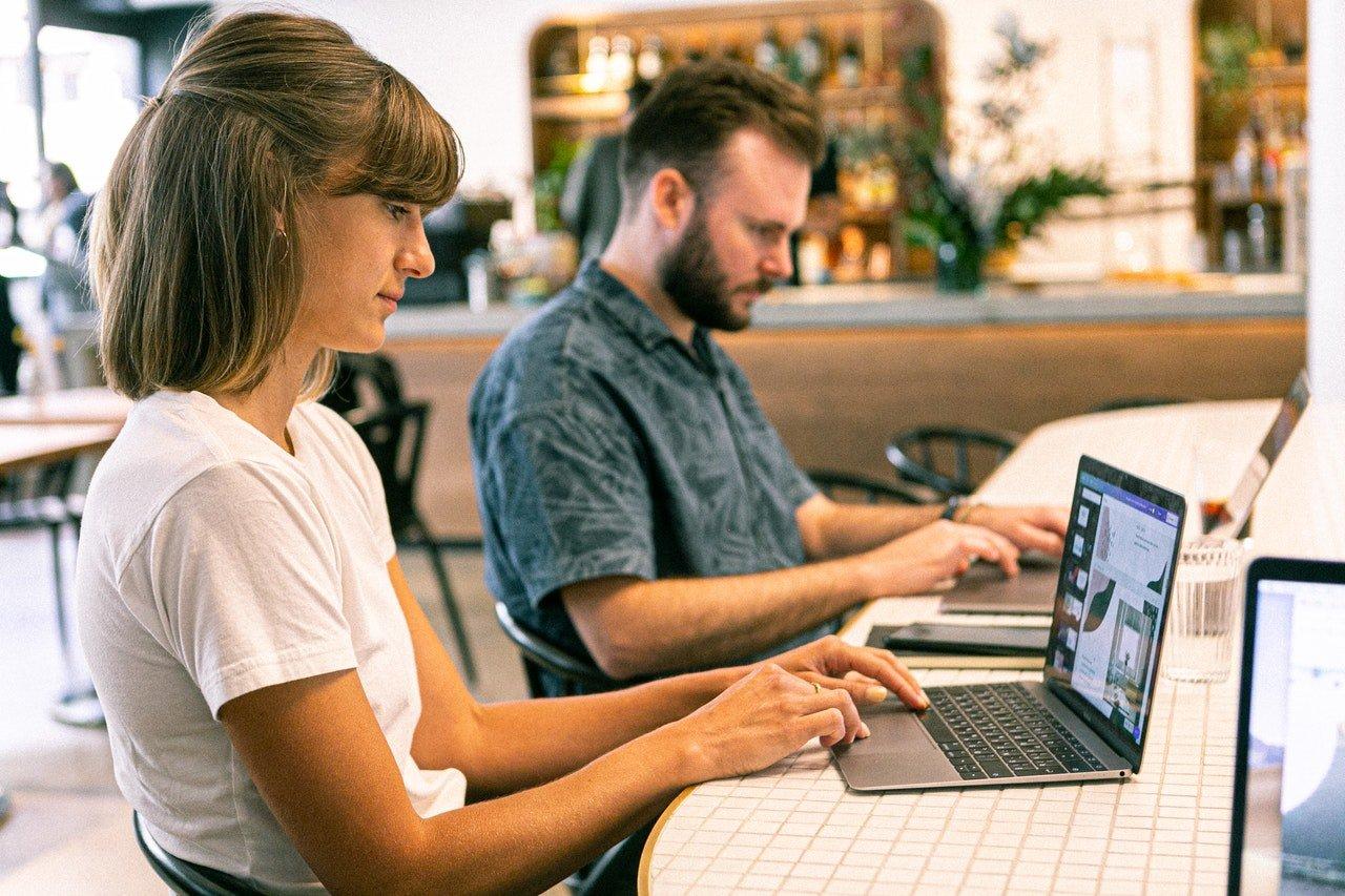 Quais são os benefícios de contratar uma empresa de criação de sites?